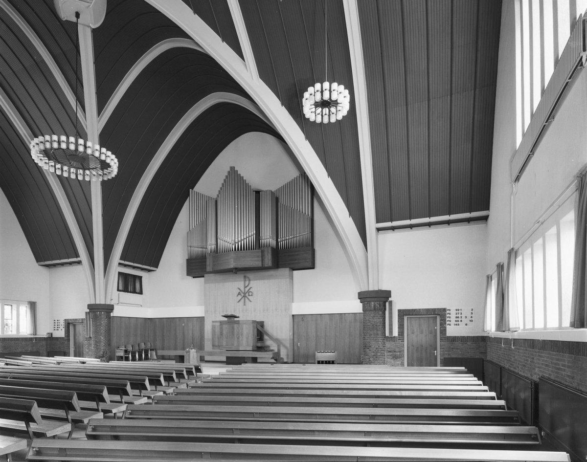 Bestand:Interieur naar preekstoel en orgel - Rijssen - 20187658 ...