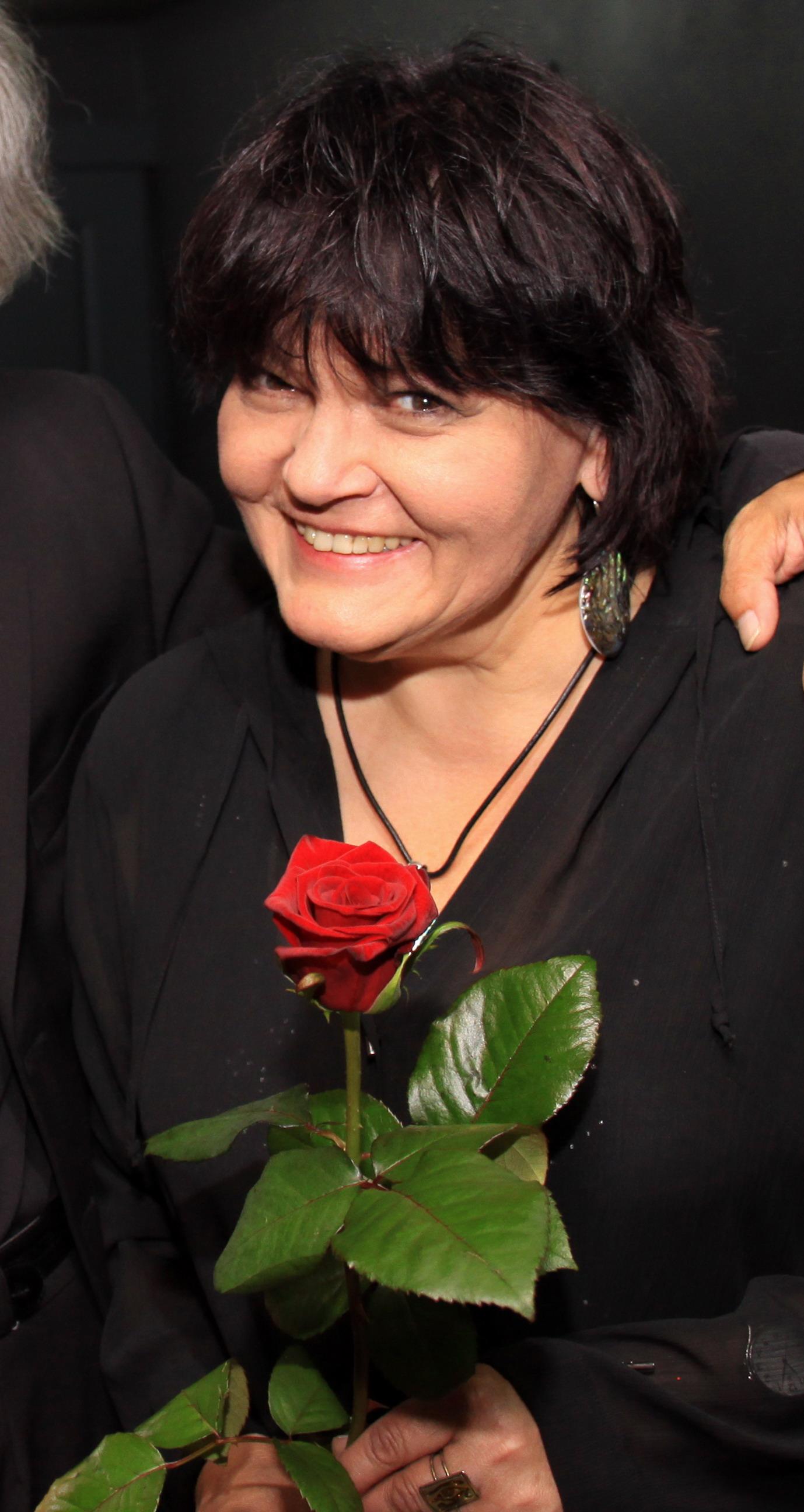 http://upload.wikimedia.org/wikipedia/commons/f/ff/JKruk_20120525_ELZBIETA_ADAMIAK_BUSKO_IMG_0478.jpg