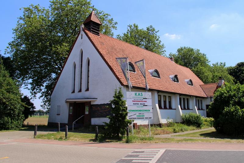 Kapel Onze-Lieve-Vrouw van de Heuvels, van 1939 naar ontwerp van architect Albert Van den Bergh; horend bij het gehucht de Heuvels