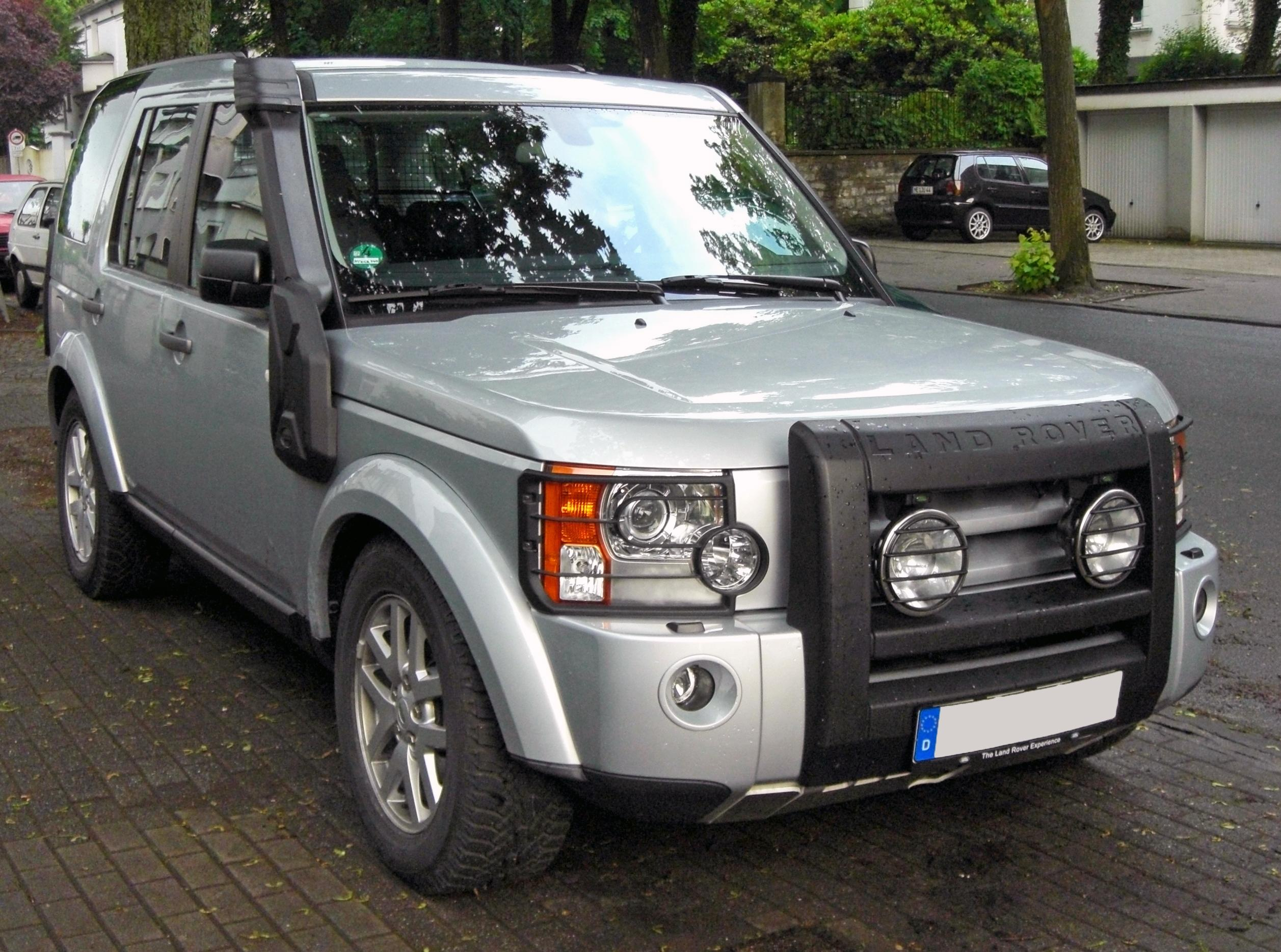 https://upload.wikimedia.org/wikipedia/commons/f/ff/Land_Rover_Discovery_III_TDV6_20090611_front.JPG