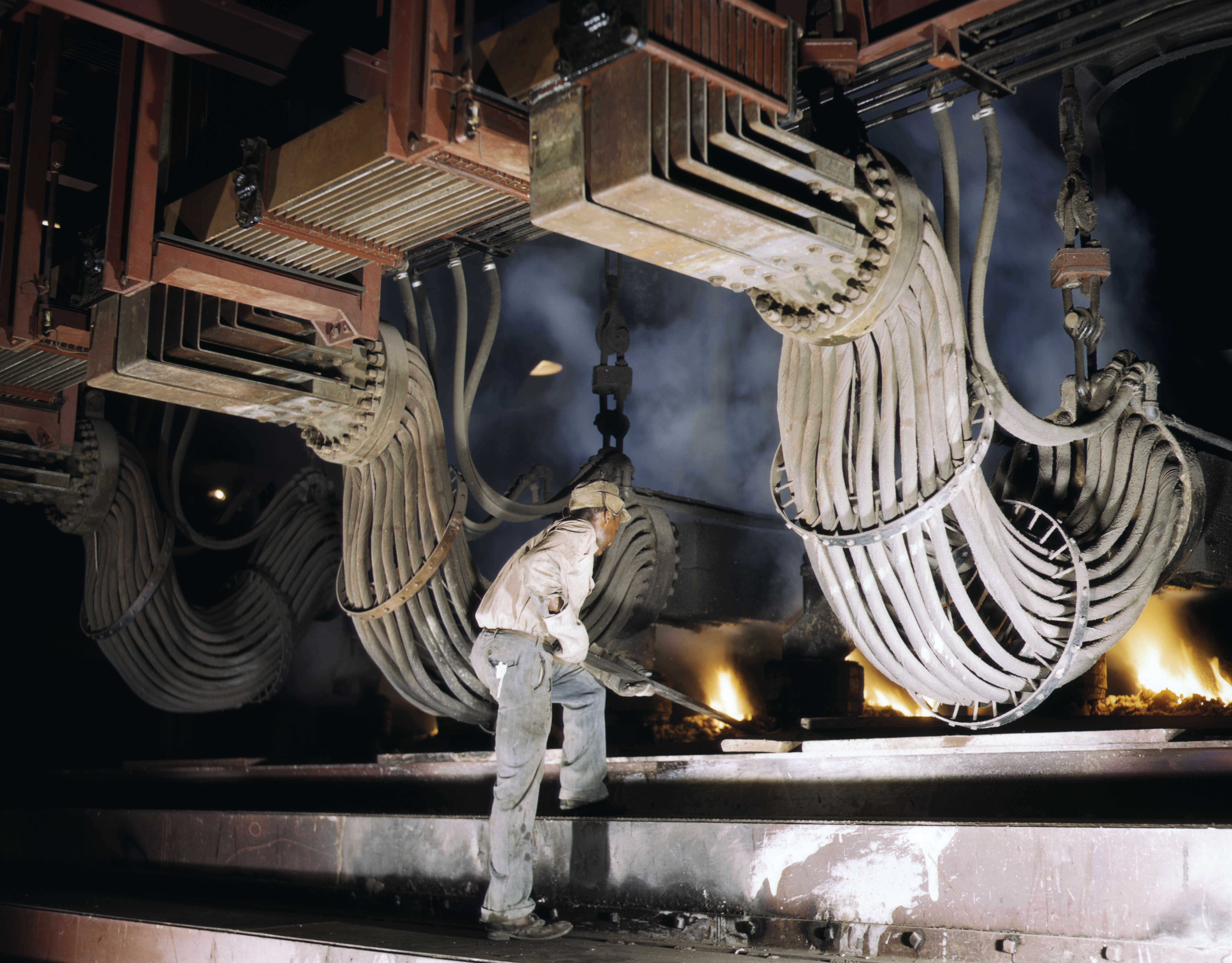 File Large Electric Phosphate Smelting Furnace Used In The