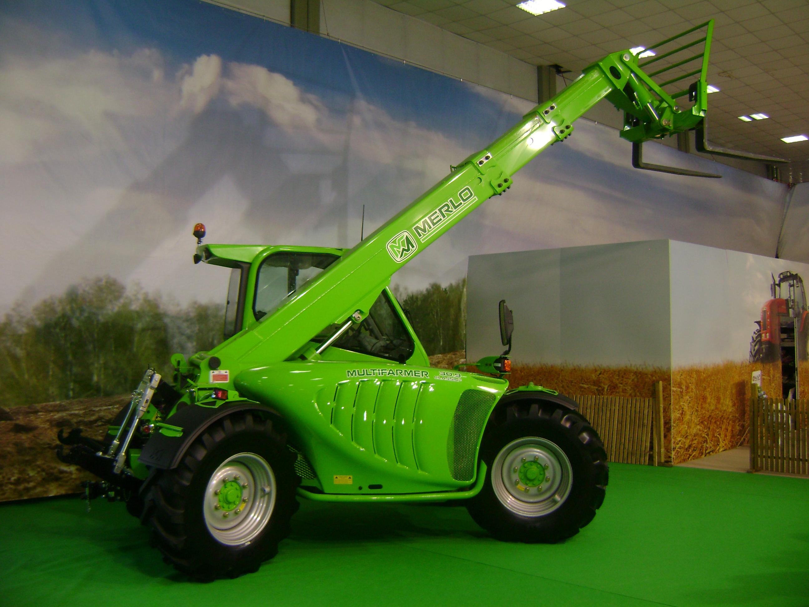 File:MERLO Multifarmer MF30.9 Classic2 tractor-telehandler at IndAgra Farm  Romexpo 2010