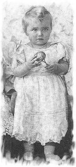 https://upload.wikimedia.org/wikipedia/commons/f/ff/Maria_Nikolaevna_as_a_toddler.jpg