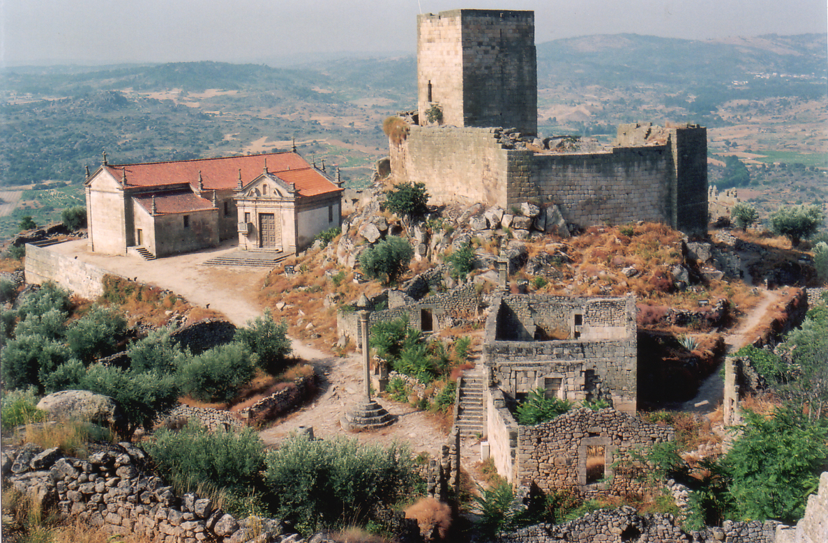 Meda Portugal  city photos : Castelo Châteaux de Longroiva