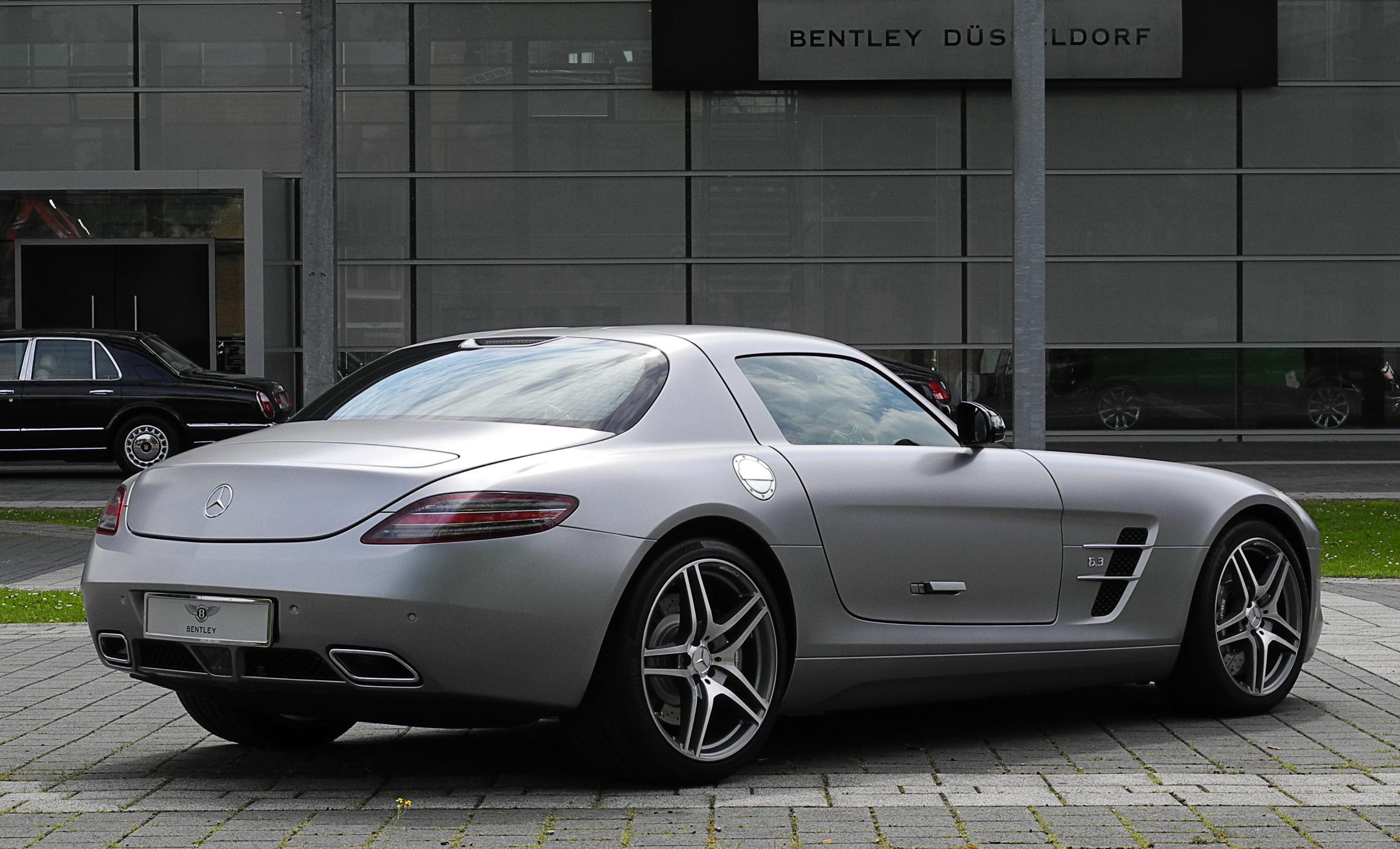 File:Mercedes Benz SLS AMG (C 197) U2013 Heckansicht (6)