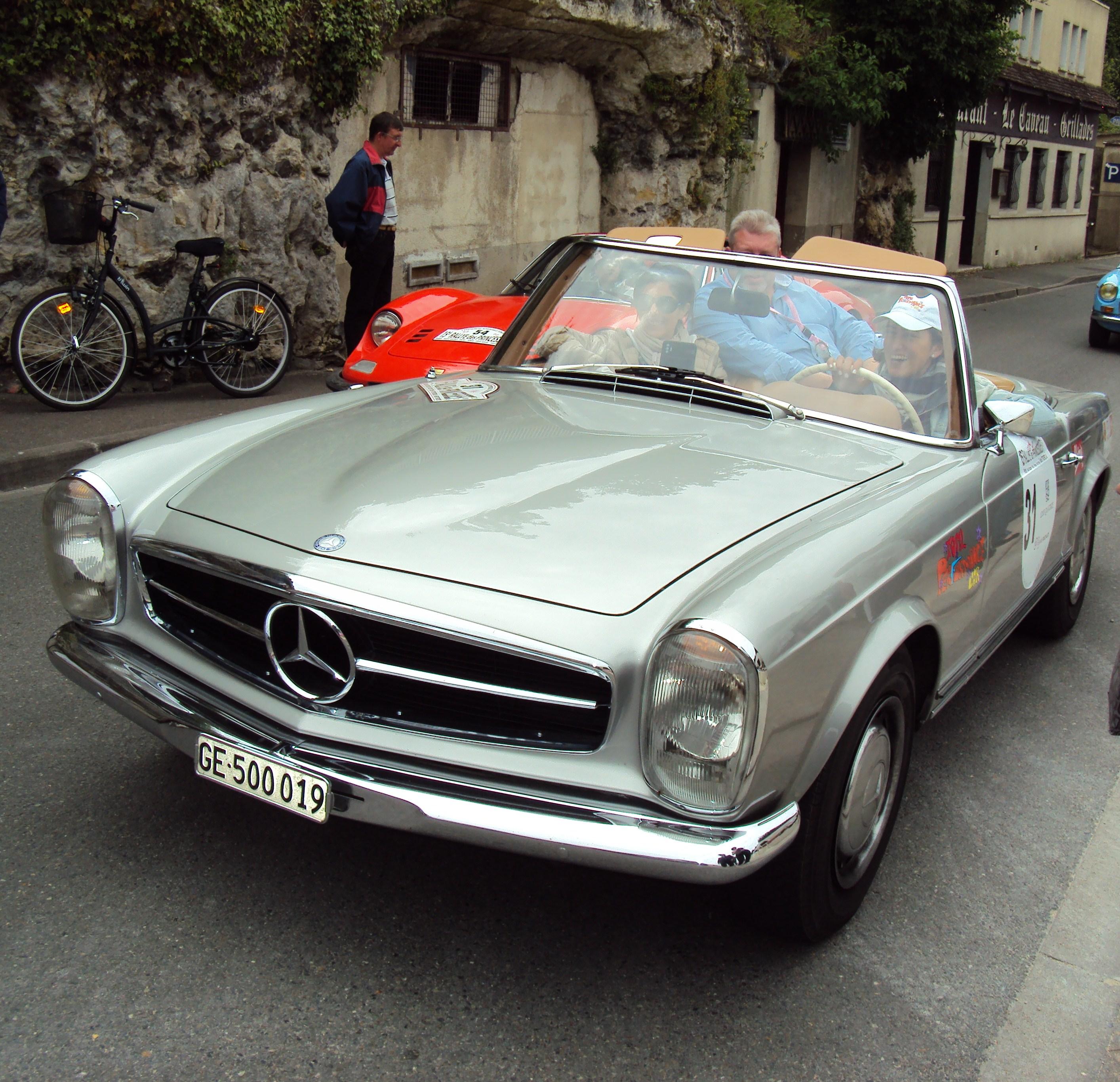 Mercedes Benz 250sl: File:Mercedes 250 SL Pagode (1967)