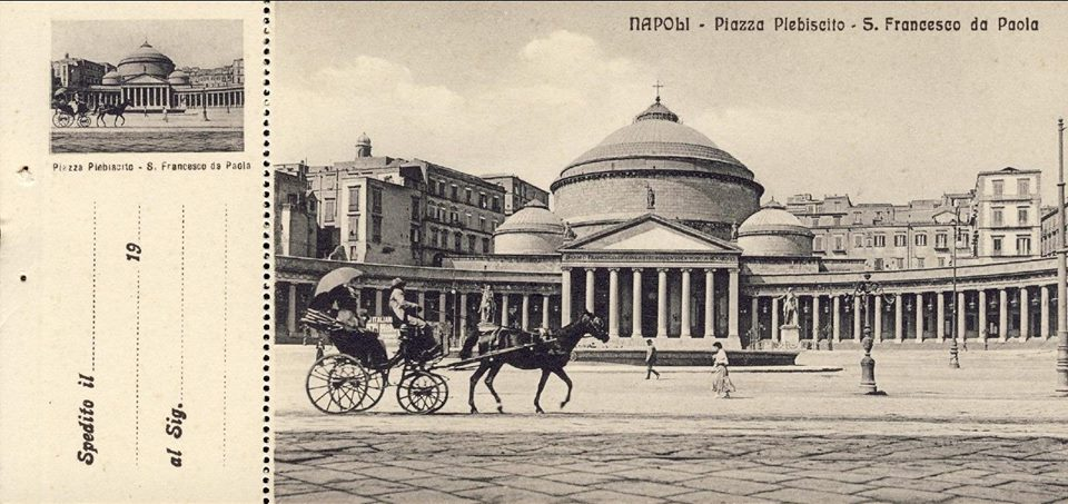 Carte postale de la basilique San Francesco di Paola à Naples.