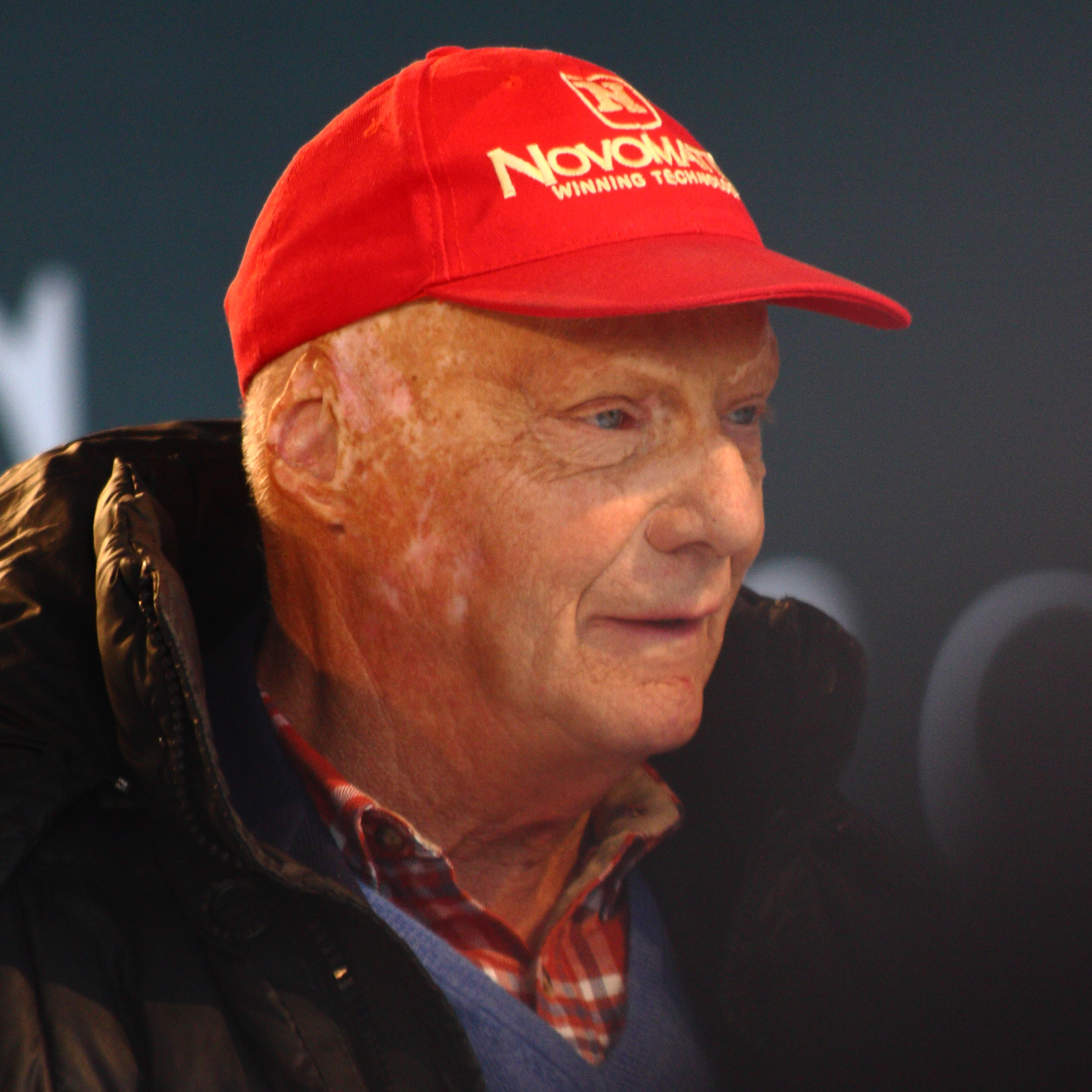 file niki lauda stars and cars 2014 amk cropped jpg wikimedia commons. Black Bedroom Furniture Sets. Home Design Ideas