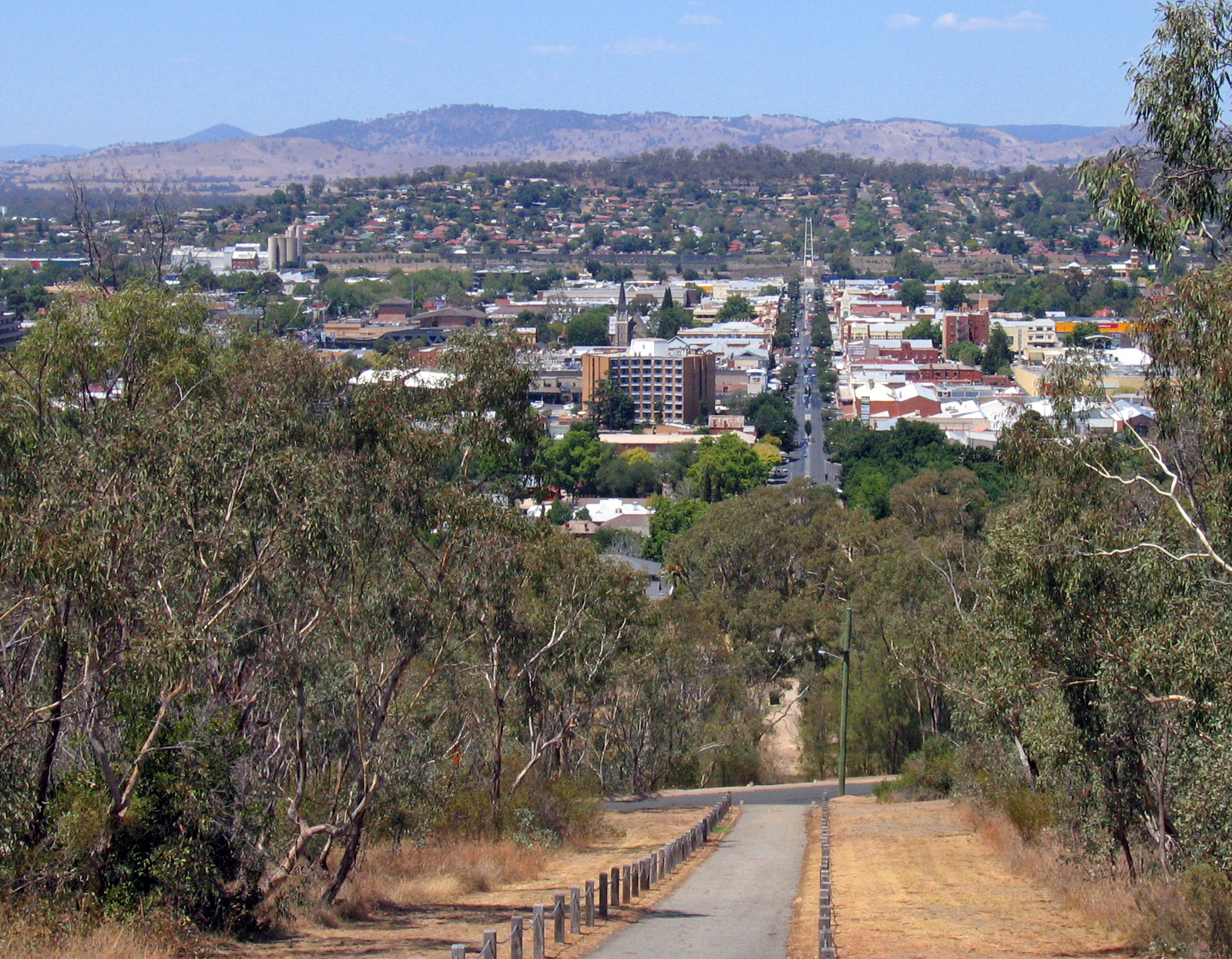 Albury Australia  city images : Albury, as viewed from the War Memorial on Monument Hill