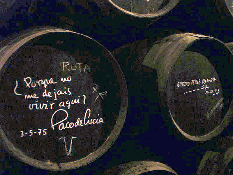 Cuba de vino firmada por Paco