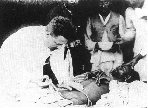 Paul-Louis Simond injecting plague vaccine June 4th 1898 Karachi.jpg