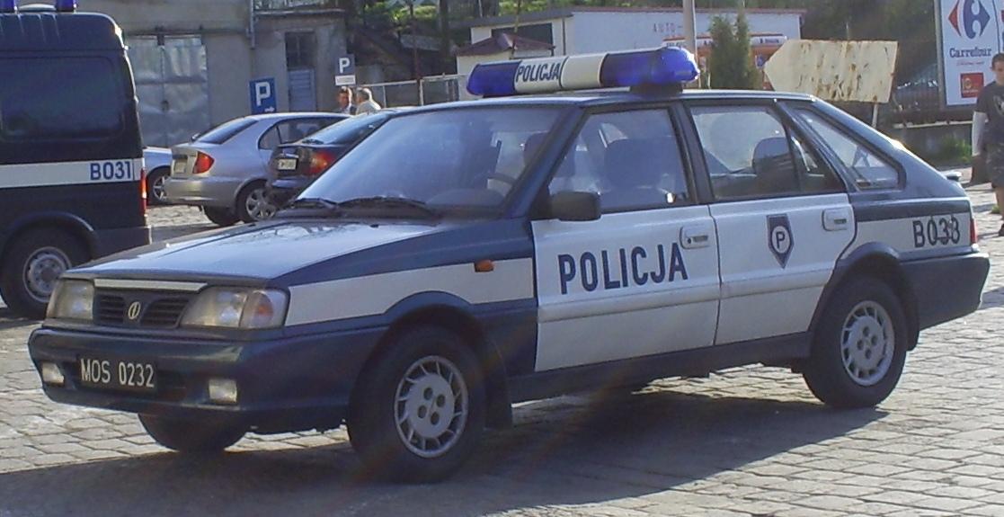 Poland_Police_car_FSO_Polonez.jpg