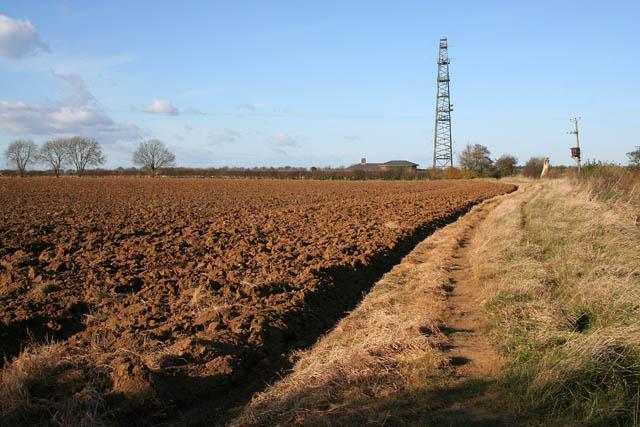 File:Public footpath to Belvoir Gallops - geograph.org.uk - 608192.jpg