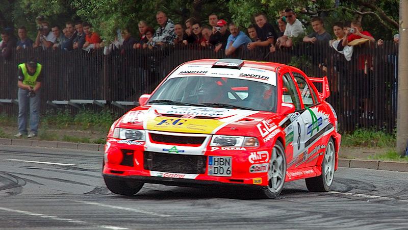 Ficheiro:Saxony rally racing Mitsubishi Lancer Evo 6 08 (aka).jpg