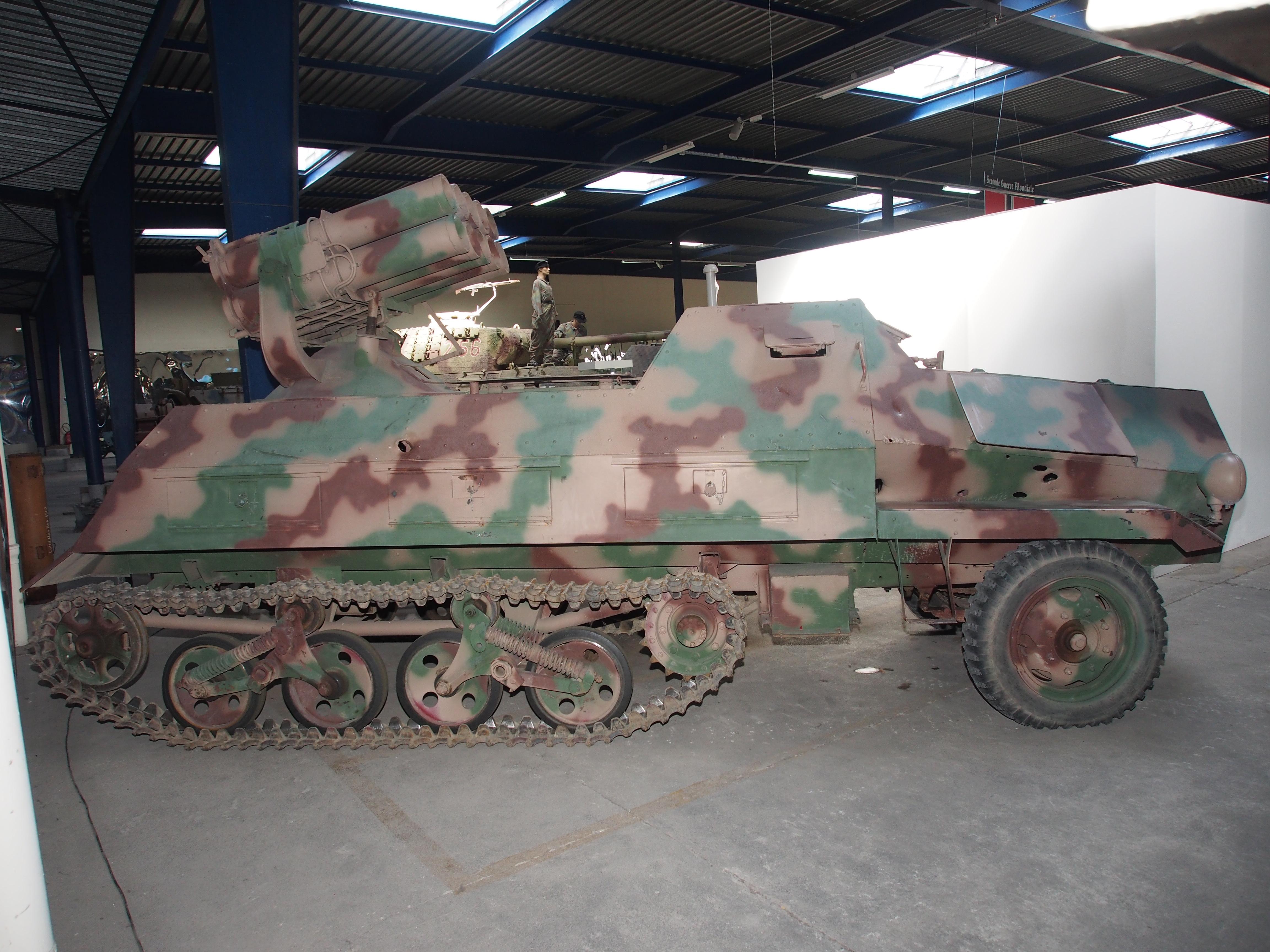 File:SdKfz 4-1 15cm Nebelwerfer-Zehnling ...