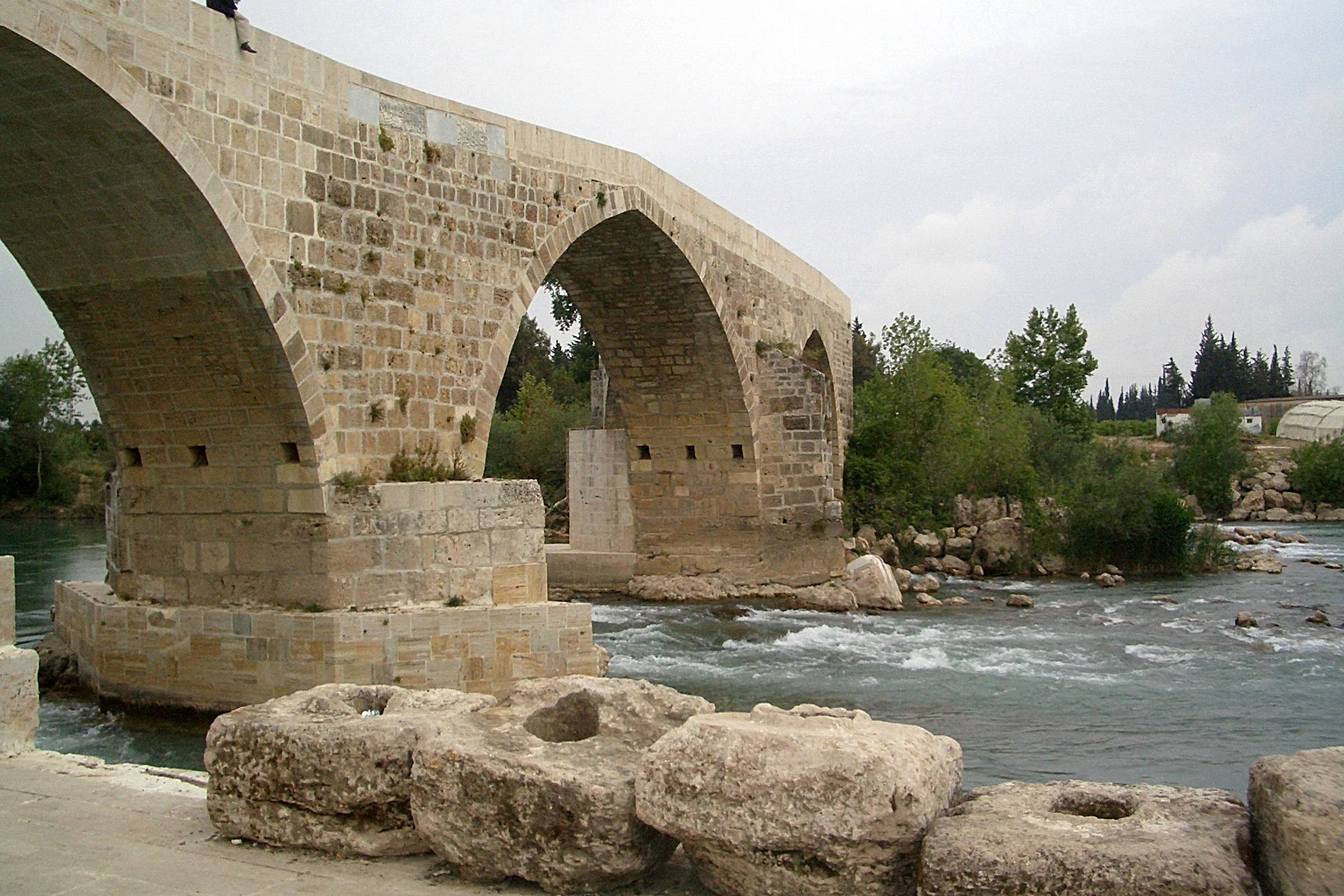 File:Seljuk (Eurymedon) Bridge near Aspendos Turkey ...