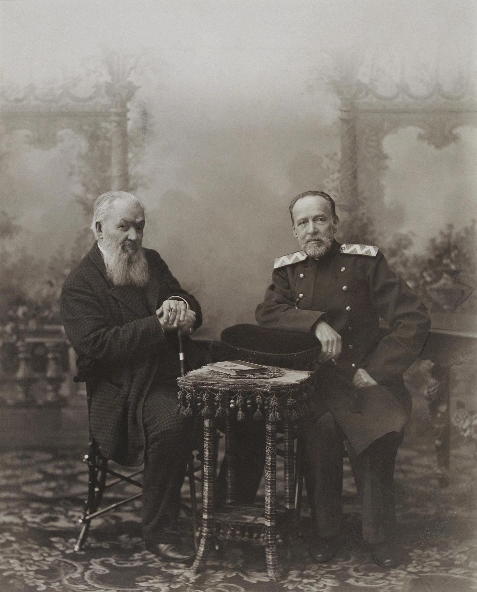 А. С. Суворин и С. Н. Шубинский