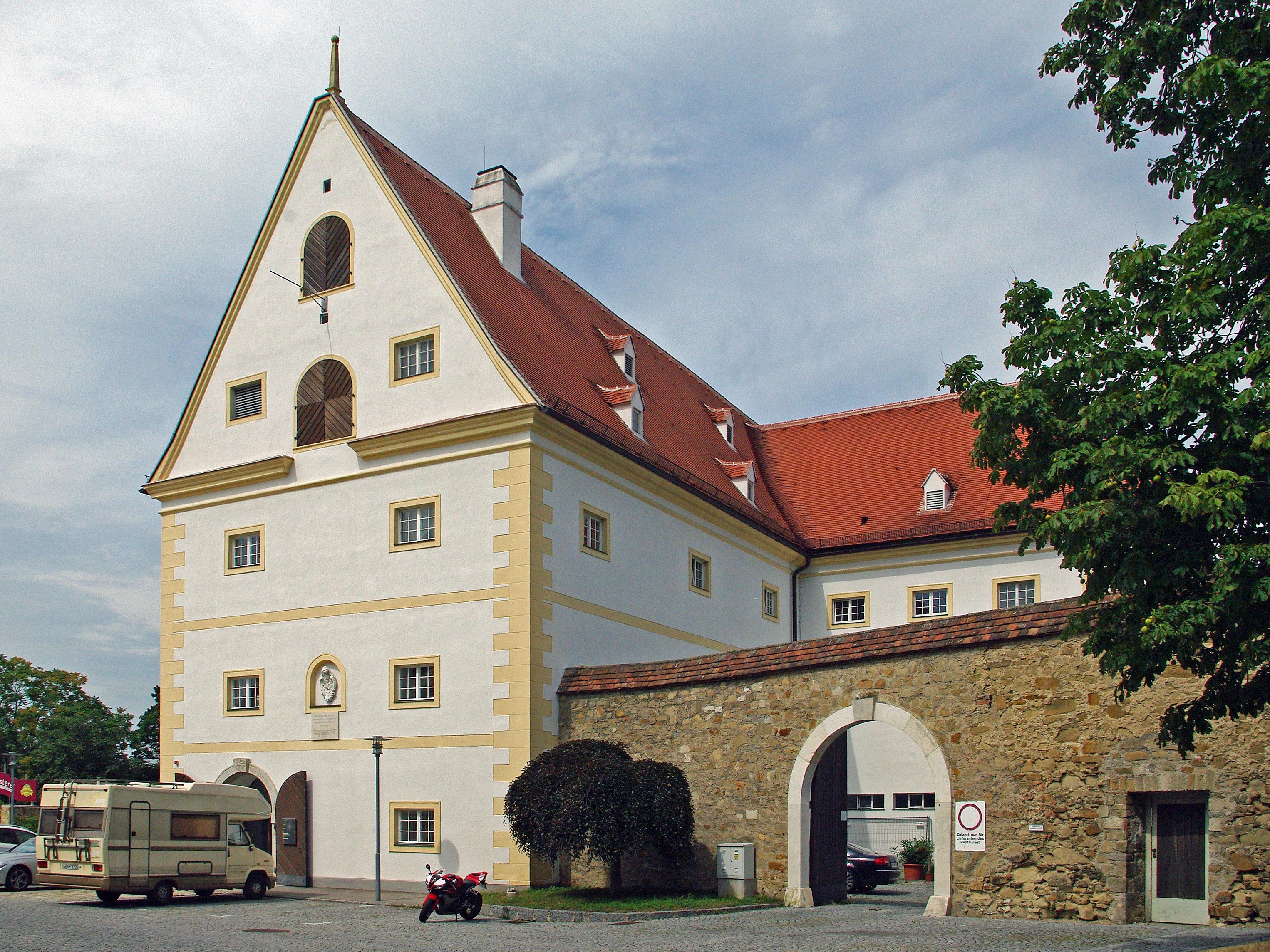 Filestiftskeller Klosterneuburgjpg Wikimedia Commons