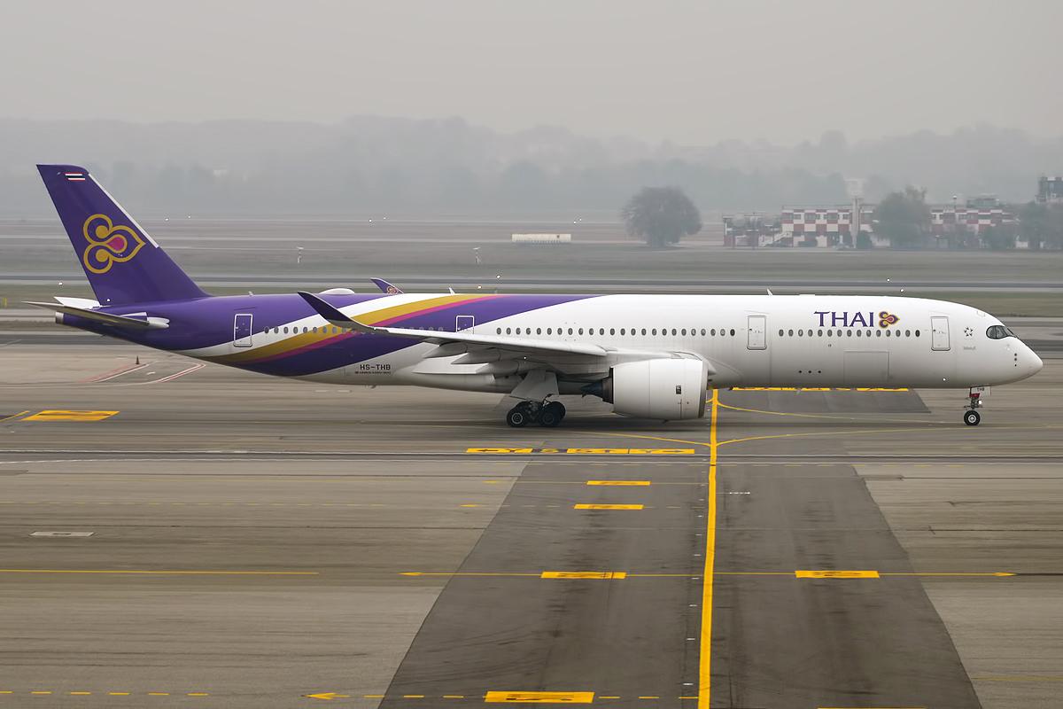 File:Thai Airways, HS-THB, Airbus A350-941 (31189377511 ...