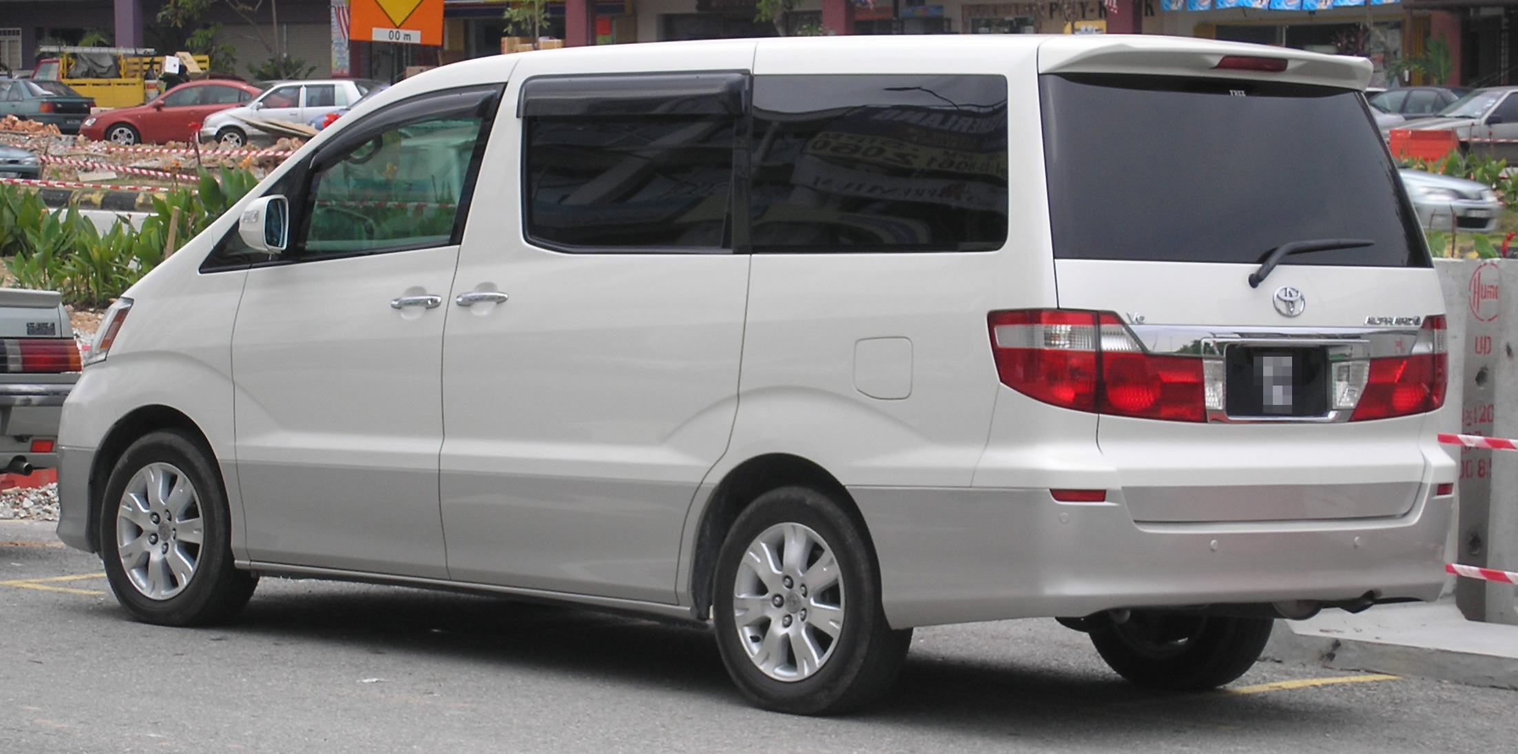 File:Toyota Alphard (first generation) (rear, white ...