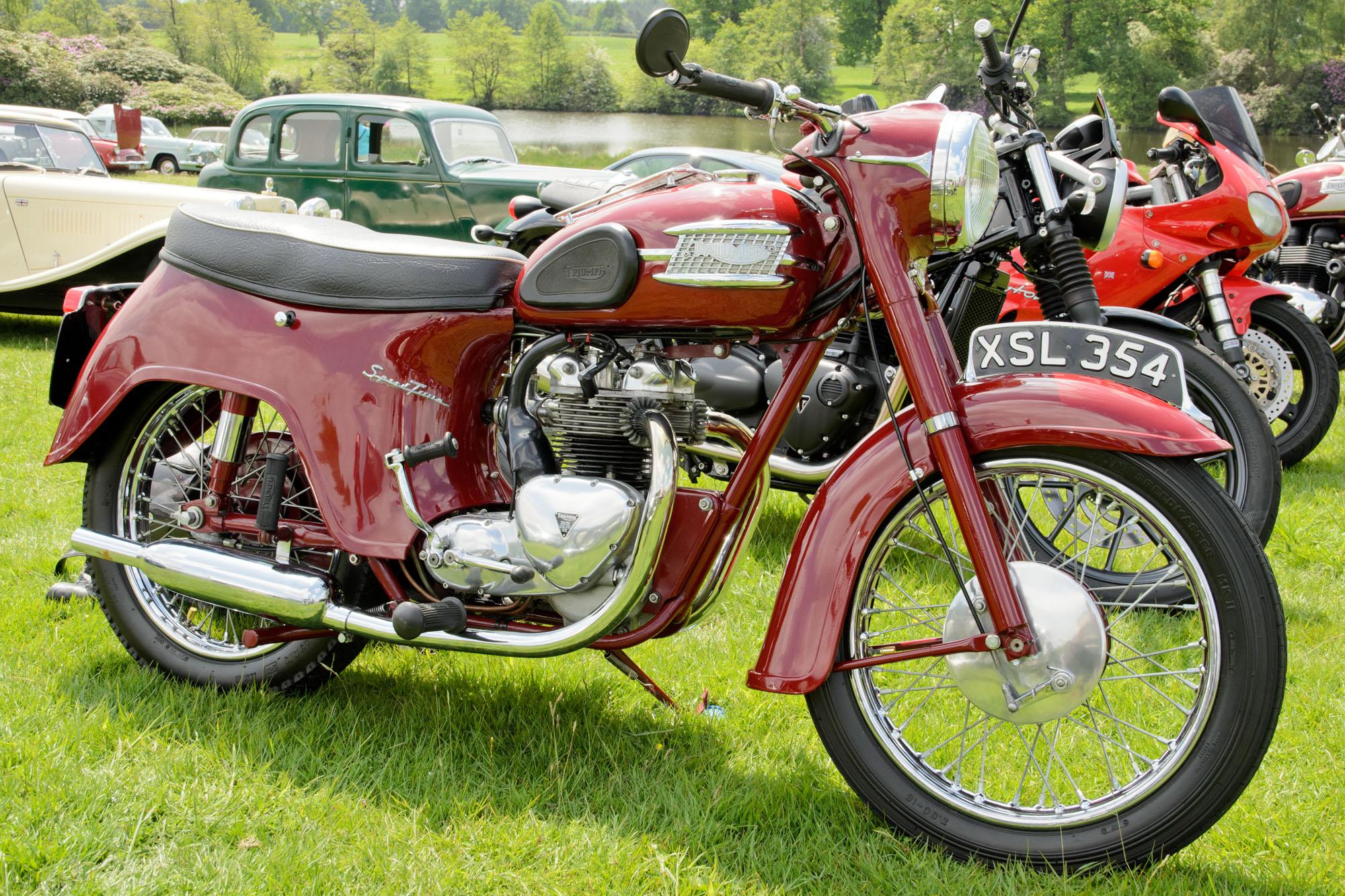 Triumph_5TA_Speed_Twin_(1960)_-_27634399