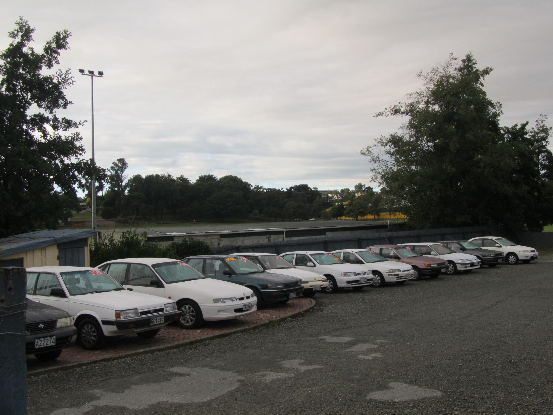 File:Used cars, Timaru, 2012. (7022713769).jpg - Wikimedia Commons