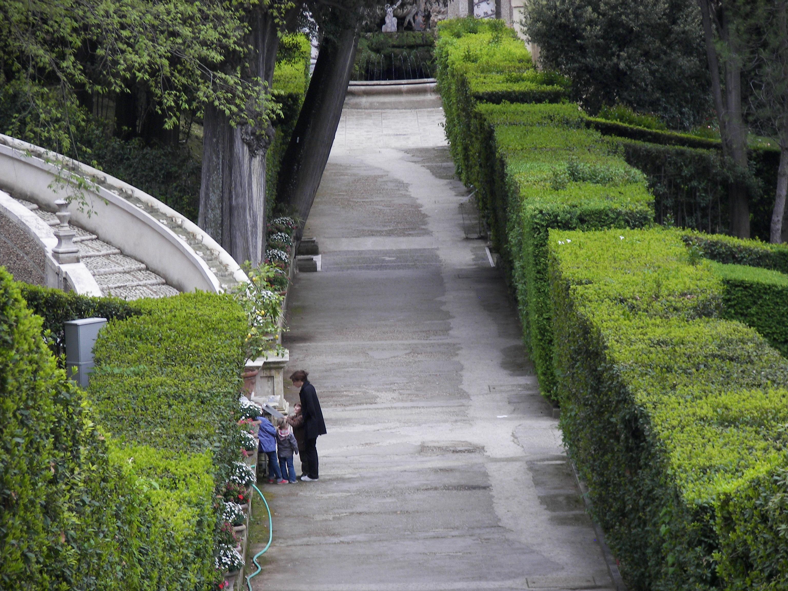 Villa d este gardens garden ftempo Driver license office miami gardens