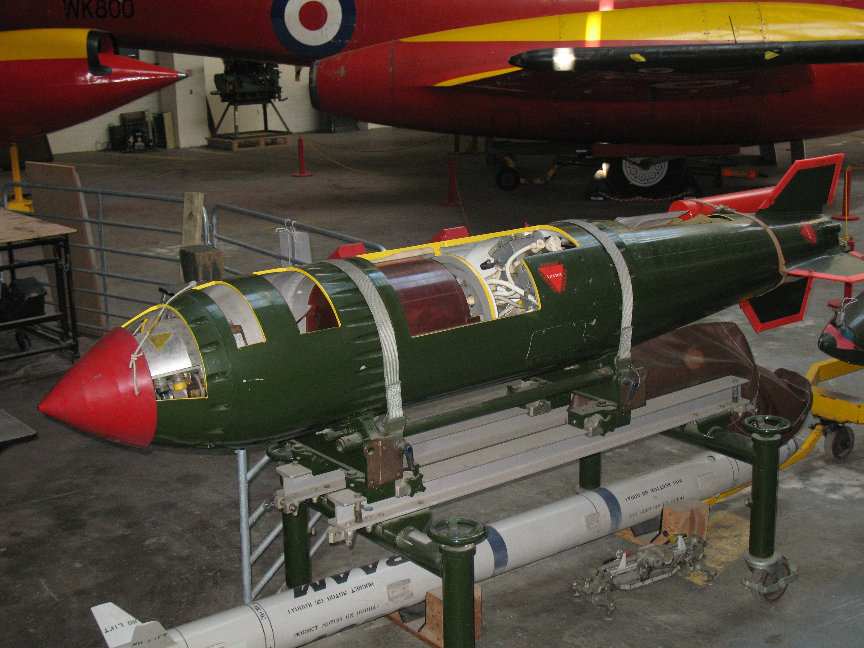 Nuclear weapons and the United Kingdom