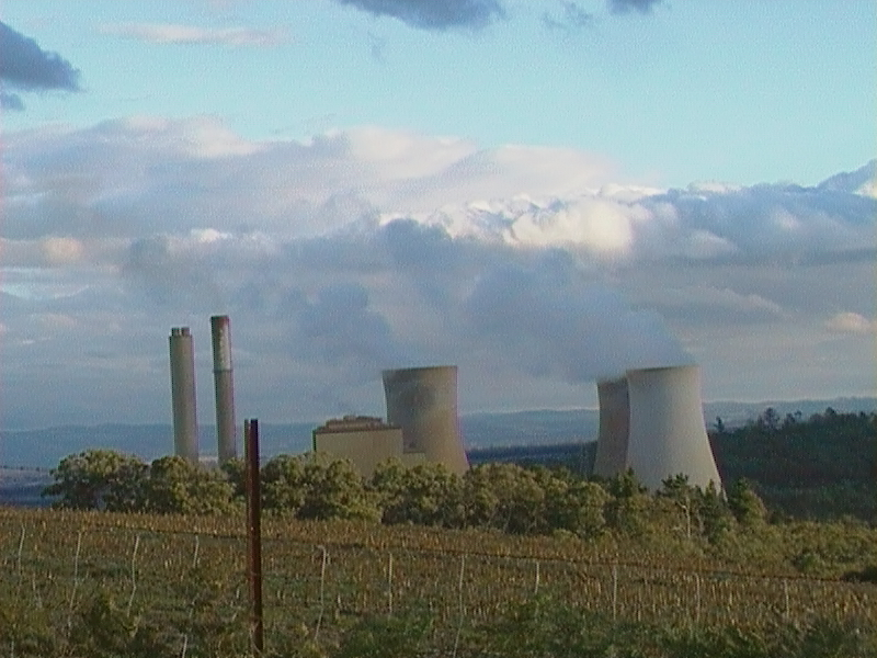 File:Yallourn power station.JPG