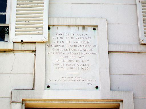 Écouen (95), maison natale de Jean le Vacher - plaque, 2 place Jean-le-Vacher