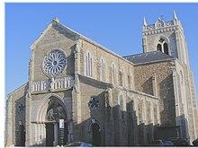 """Résultat de recherche d'images pour """"photo église saint martin la plaine 42"""""""