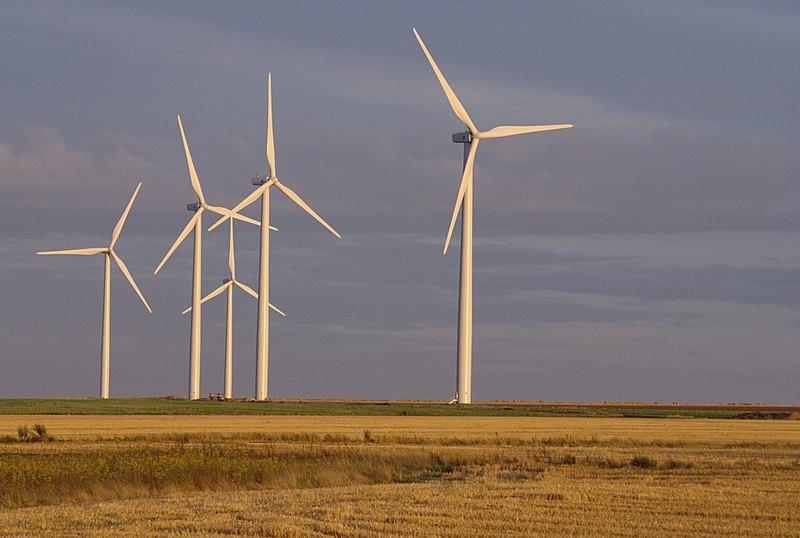 File:Éoliennes Caen.jpg
