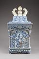Östasiatisk keramik. Vattenbehållare med kran - Hallwylska museet - 95797.tif