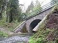 Železniční most přes Bojovský potok pod Klíncem.jpg
