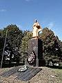 Братська могила радянських воїнів Великої Вітчизняної війни.jpg