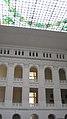 Внутренний дворик с фрагментом витражного потолка.jpg