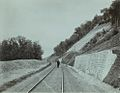 Подпорная стена на Тимирязево-Нижегородской линии железной дороги под Парком Швейцария.jpg