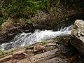 Скални улеи прорязани от мощта на реката - panoramio.jpg
