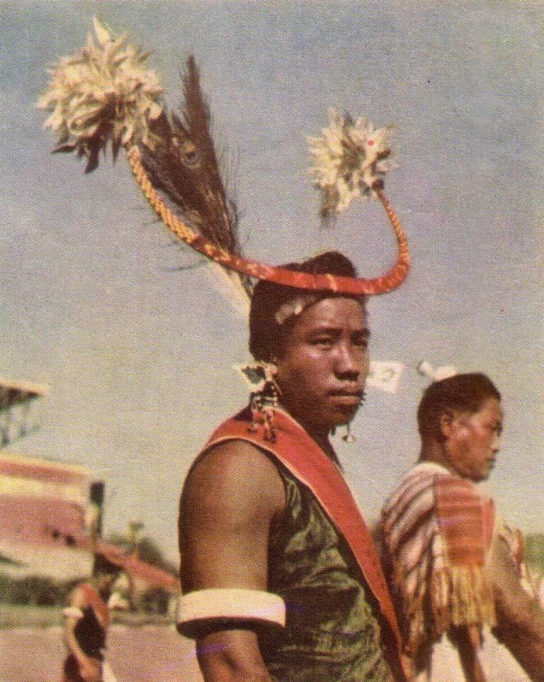 Танцор племени нага