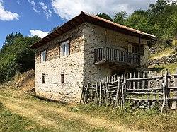 Традиционална куќа во Кракорница.jpg