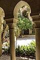 אכסדרת העמודים של קלויסטר כנסיית הגואל.jpg
