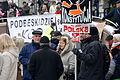 02016-01-09 Teilnehmer einer KOD-Demonstration in Bielsko-Biala.JPG