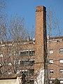 099 Xemeneia de l'antiga fàbrica de licors Montañà, c. Anníbal 20 (Granollers).jpg