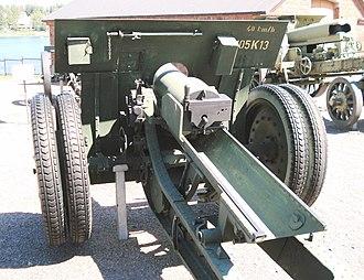 Canon de 105 mle 1913 Schneider - Canon de 105 mle 1913 Schneider, also with rubber tires, in Hämeenlinna Artillery Museum, Finland.