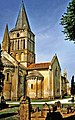 17-Aulnay-Saint-Pierre-de-la-Tour-tombes-clocher.jpg