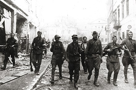 Soviet and Home Army soldiers patrol together, Wilno, July 1944 19440712 soviet and ak soldiers vilnius.jpg
