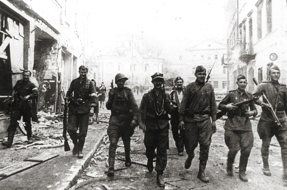 19440712 soviet and ak soldiers vilnius