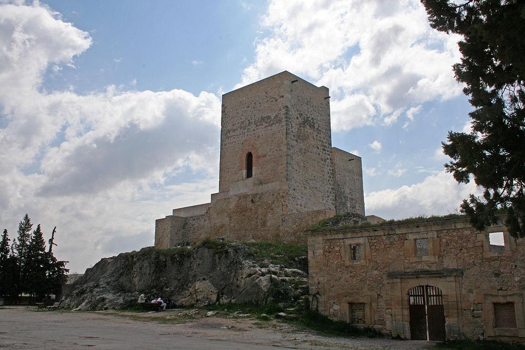 20070415 - Monasterio de Uclés - Restos del castillo al sur del monasterio.jpg