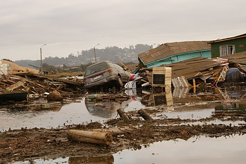 Aftermath of the February earthquake and tsunami in San Antonio. Image: Atilio Leandro.