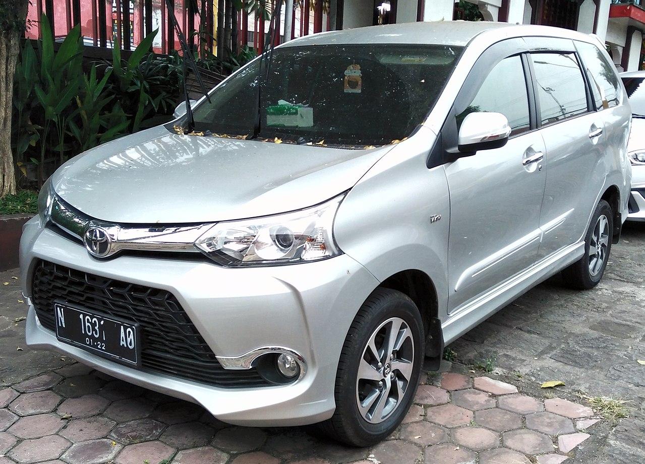 File:2017 Toyota Avanza 1.5 Veloz, Malang.jpg
